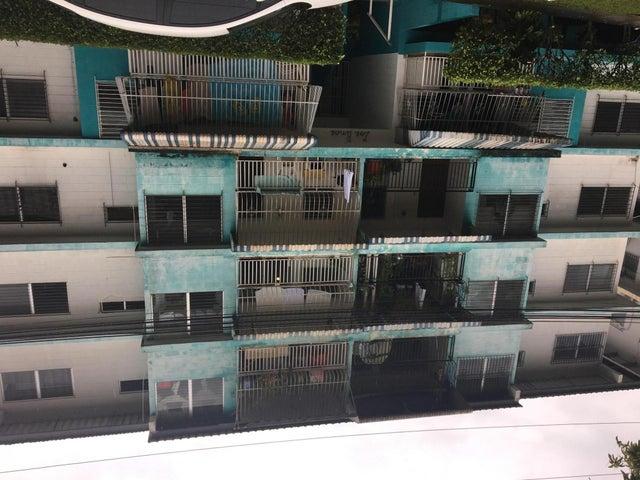 Apartamento / Venta / Panama / 12 de Octubre / FLEXMLS-17-3079