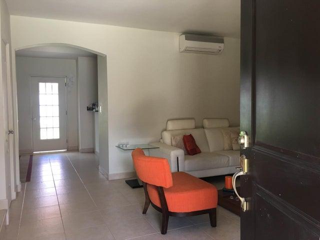 PANAMA VIP10, S.A. Casa en Venta en Versalles en Panama Código: 17-3140 No.1