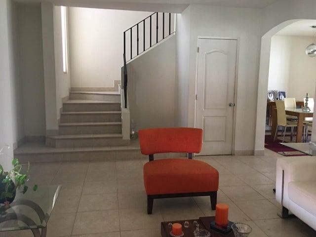 PANAMA VIP10, S.A. Casa en Venta en Versalles en Panama Código: 17-3140 No.5