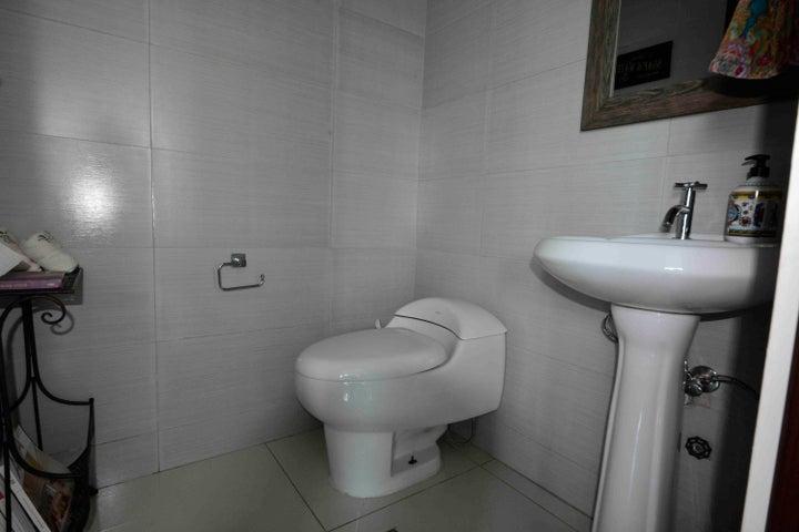 PANAMA VIP10, S.A. Apartamento en Venta en San Francisco en Panama Código: 17-3177 No.9