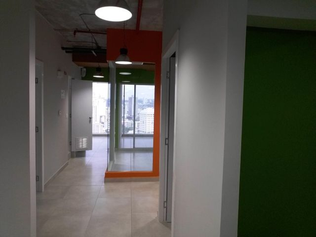 PANAMA VIP10, S.A. Oficina en Venta en Obarrio en Panama Código: 17-3350 No.9