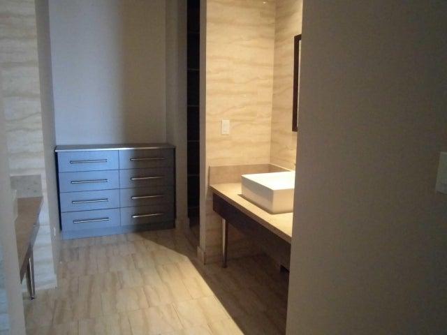 PANAMA VIP10, S.A. Apartamento en Venta en Obarrio en Panama Código: 17-3153 No.9