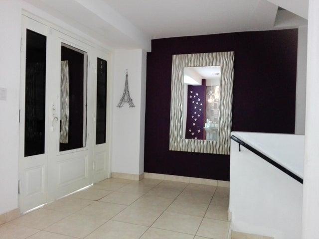 PANAMA VIP10, S.A. Casa en Venta en Altos de Panama en Panama Código: 17-3366 No.2