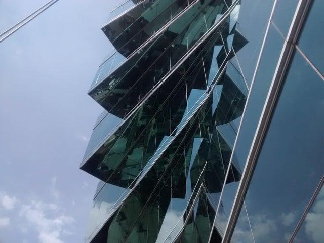 PANAMA VIP10, S.A. Oficina en Venta en Obarrio en Panama Código: 17-3373 No.1