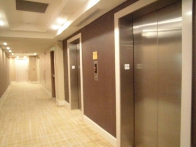 PANAMA VIP10, S.A. Apartamento en Venta en Marbella en Panama Código: 17-3385 No.1