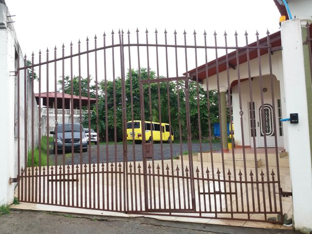 PANAMA VIP10, S.A. Casa en Venta en Brisas Del Golf en Panama Código: 17-3400 No.1