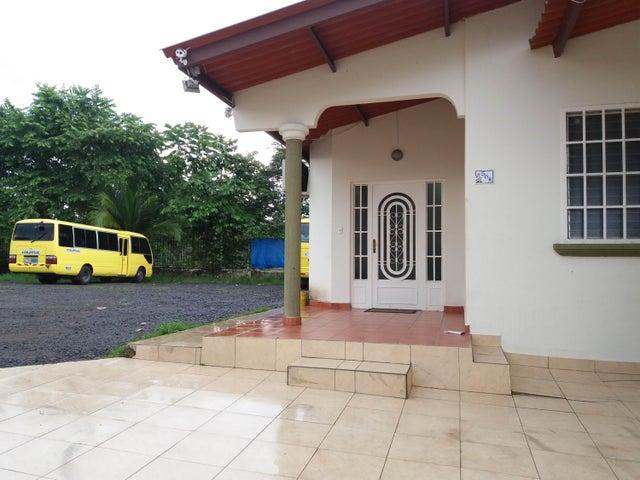 PANAMA VIP10, S.A. Casa en Venta en Brisas Del Golf en Panama Código: 17-3400 No.4