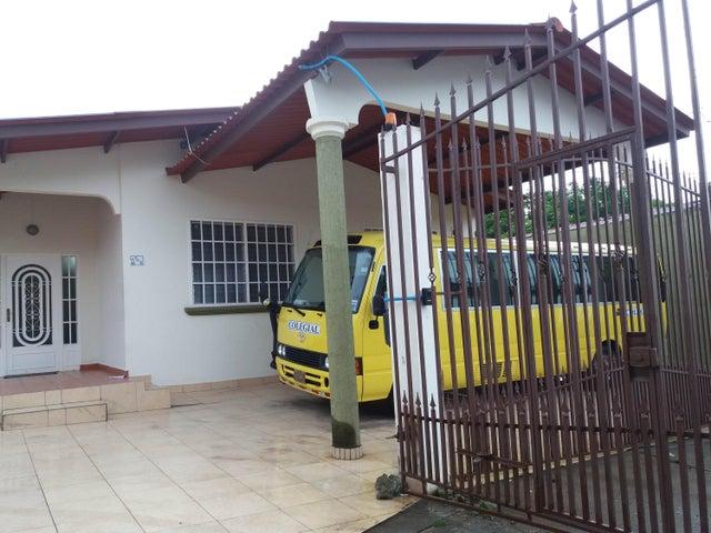 PANAMA VIP10, S.A. Casa en Venta en Brisas Del Golf en Panama Código: 17-3400 No.3
