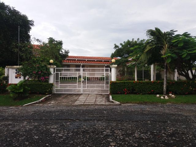 Casa / Venta / Chame / Coronado / FLEXMLS-17-3419
