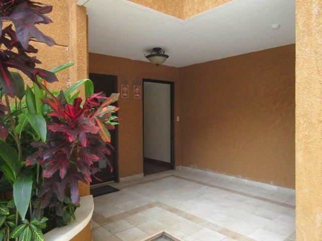 PANAMA VIP10, S.A. Apartamento en Venta en Clayton en Panama Código: 15-186 No.2