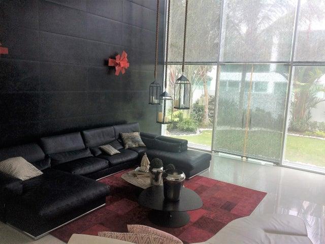 PANAMA VIP10, S.A. Casa en Venta en Costa Sur en Panama Código: 17-3528 No.5