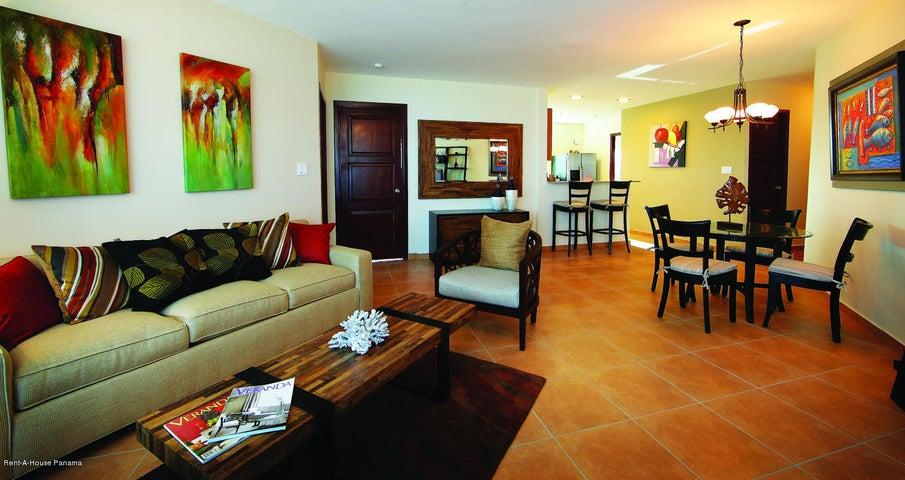 PANAMA VIP10, S.A. Apartamento en Venta en Coronado en Chame Código: 17-3572 No.2