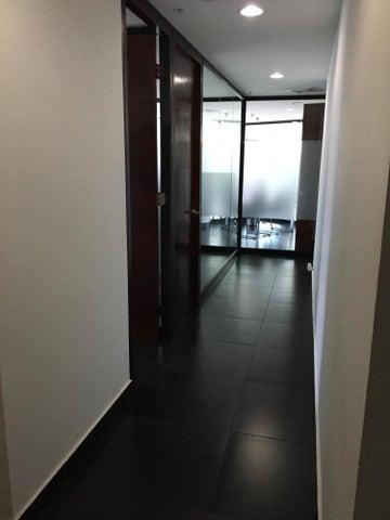 PANAMA VIP10, S.A. Oficina en Venta en Obarrio en Panama Código: 17-3588 No.4