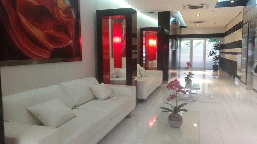 PANAMA VIP10, S.A. Oficina en Venta en Obarrio en Panama Código: 17-3676 No.1