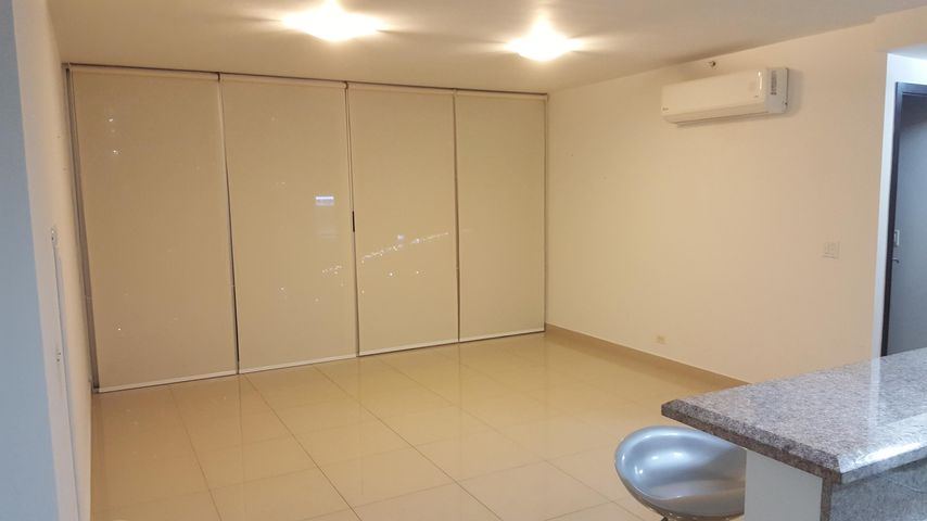 PANAMA VIP10, S.A. Apartamento en Venta en Costa del Este en Panama Código: 17-3707 No.3