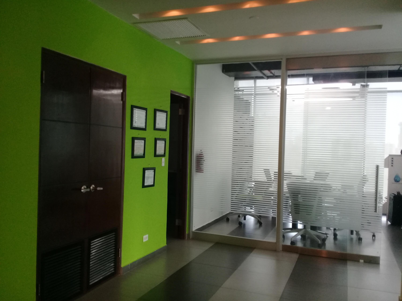 PANAMA VIP10, S.A. Oficina en Venta en Obarrio en Panama Código: 17-3717 No.7