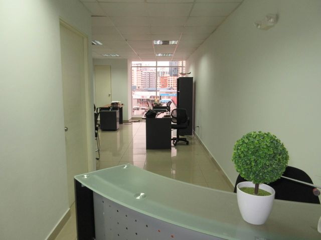 PANAMA VIP10, S.A. Oficina en Venta en El Carmen en Panama Código: 17-3726 No.6