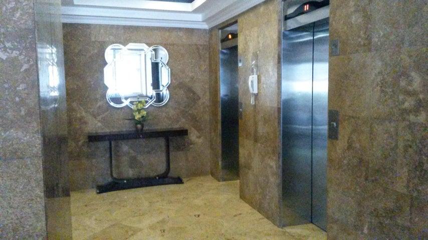PANAMA VIP10, S.A. Apartamento en Venta en Obarrio en Panama Código: 17-3770 No.4