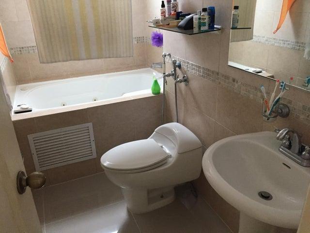 PANAMA VIP10, S.A. Apartamento en Venta en Costa del Este en Panama Código: 17-3821 No.8