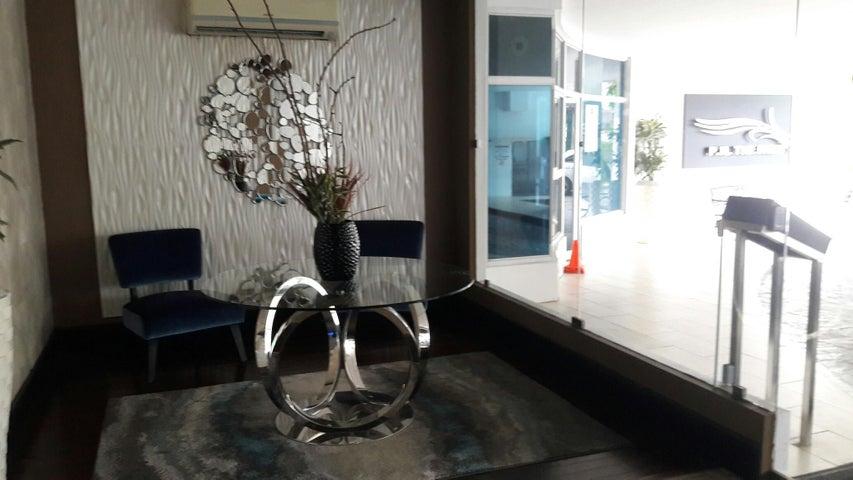 PANAMA VIP10, S.A. Apartamento en Alquiler en Obarrio en Panama Código: 17-3788 No.3