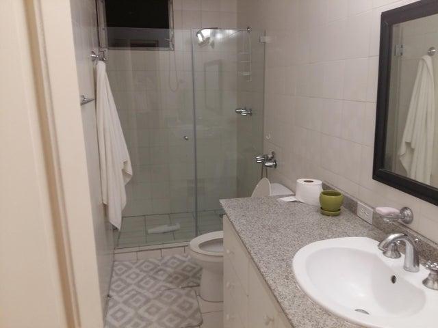 PANAMA VIP10, S.A. Apartamento en Venta en Marbella en Panama Código: 17-3800 No.3
