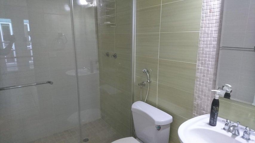 PANAMA VIP10, S.A. Casa en Venta en Brisas Del Golf en Panama Código: 17-3876 No.8