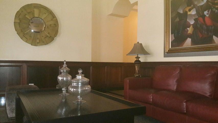 PANAMA VIP10, S.A. Apartamento en Alquiler en Obarrio en Panama Código: 17-3992 No.1