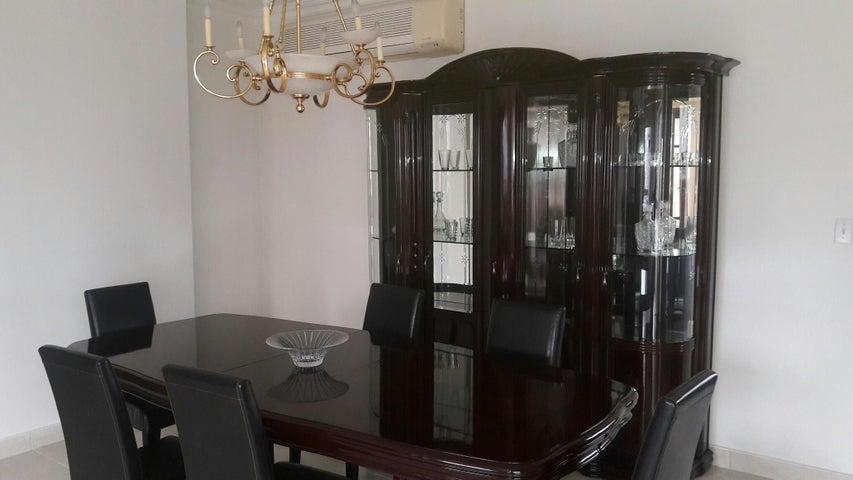 PANAMA VIP10, S.A. Apartamento en Alquiler en Obarrio en Panama Código: 17-3992 No.8