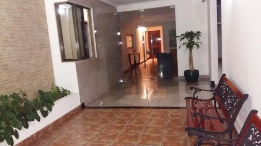 PANAMA VIP10, S.A. Apartamento en Venta en Coco del Mar en Panama Código: 17-3980 No.2