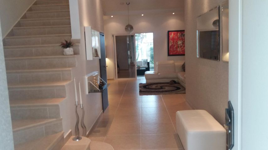 PANAMA VIP10, S.A. Casa en Venta en Altos de Panama en Panama Código: 17-4023 No.5