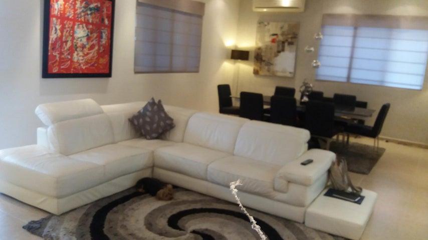 PANAMA VIP10, S.A. Casa en Venta en Altos de Panama en Panama Código: 17-4023 No.1