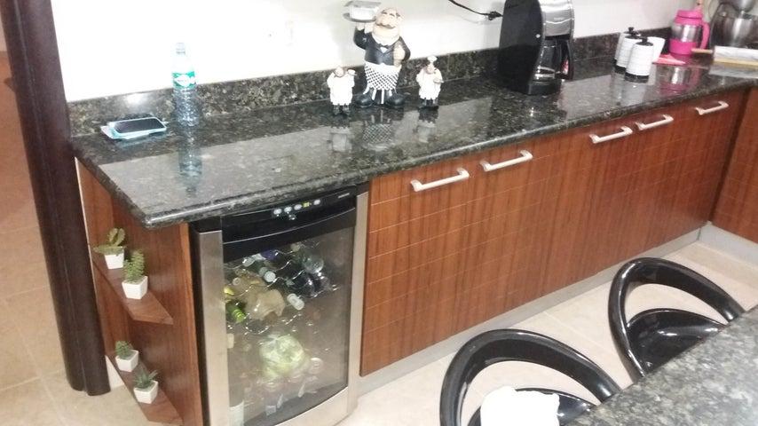 PANAMA VIP10, S.A. Casa en Venta en Altos de Panama en Panama Código: 17-4023 No.7