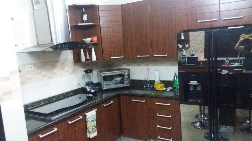 PANAMA VIP10, S.A. Casa en Venta en Altos de Panama en Panama Código: 17-4023 No.8