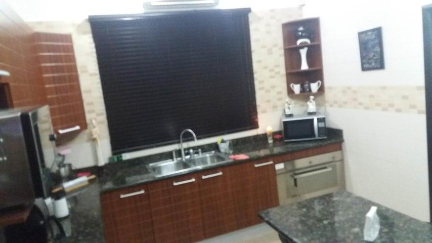 PANAMA VIP10, S.A. Casa en Venta en Altos de Panama en Panama Código: 17-4023 No.9