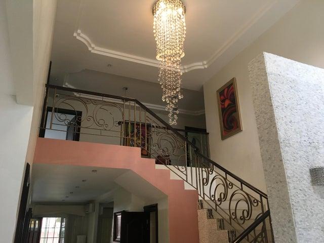 PANAMA VIP10, S.A. Casa en Venta en Altos de Panama en Panama Código: 17-4048 No.4
