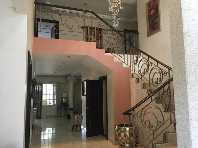 PANAMA VIP10, S.A. Casa en Venta en Altos de Panama en Panama Código: 17-4048 No.5