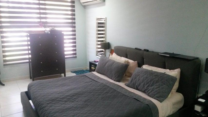 PANAMA VIP10, S.A. Casa en Venta en Altos de Panama en Panama Código: 17-4074 No.7