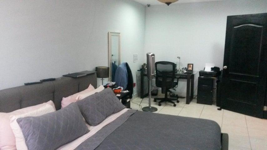 PANAMA VIP10, S.A. Casa en Venta en Altos de Panama en Panama Código: 17-4074 No.8