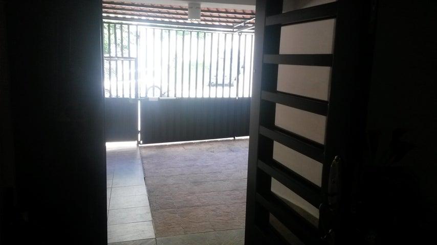PANAMA VIP10, S.A. Casa en Venta en Altos de Panama en Panama Código: 17-4074 No.4