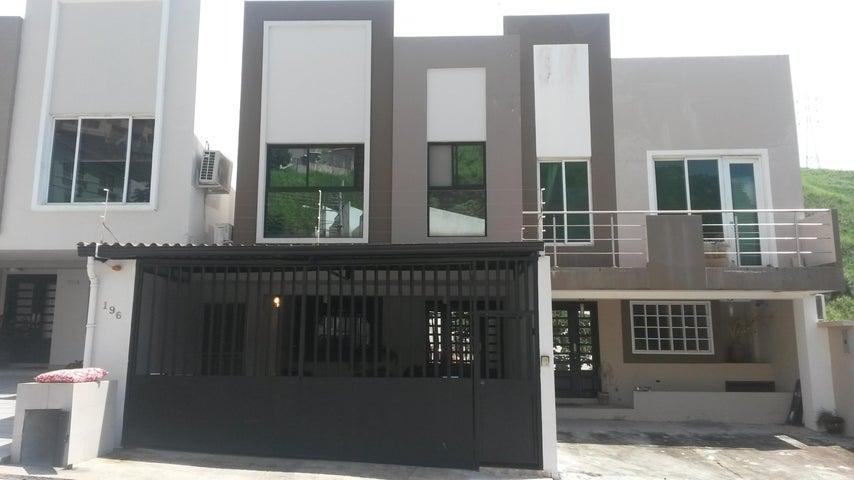 PANAMA VIP10, S.A. Casa en Venta en Altos de Panama en Panama Código: 17-4074 No.0