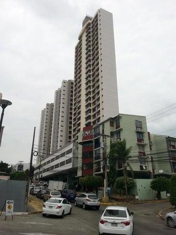 Apartamento / Alquiler / Panama / 12 de Octubre / FLEXMLS-17-4108