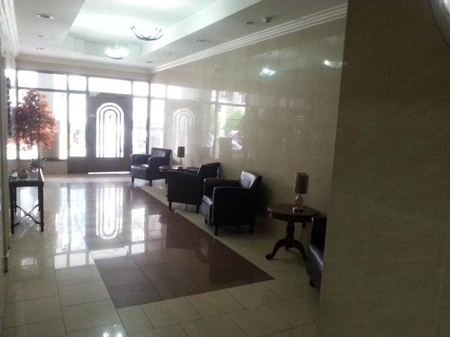 PANAMA VIP10, S.A. Apartamento en Alquiler en 12 de Octubre en Panama Código: 17-4108 No.2