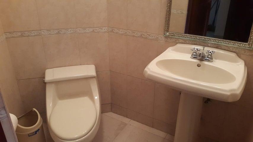 PANAMA VIP10, S.A. Apartamento en Alquiler en El Cangrejo en Panama Código: 17-4110 No.4