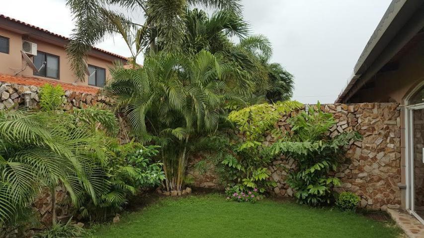 PANAMA VIP10, S.A. Casa en Venta en Versalles en Panama Código: 17-4145 No.8