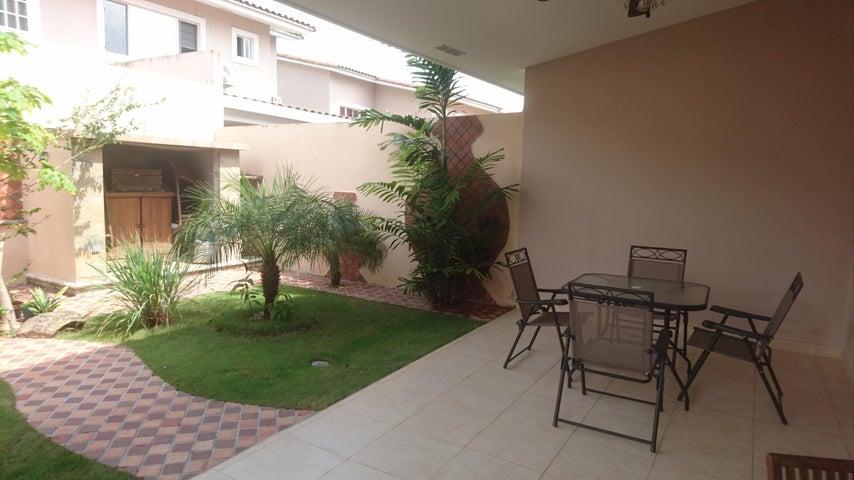PANAMA VIP10, S.A. Casa en Venta en Brisas Del Golf en Panama Código: 17-4166 No.5