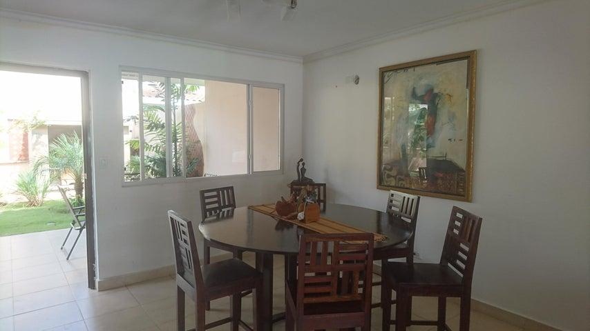 PANAMA VIP10, S.A. Casa en Venta en Brisas Del Golf en Panama Código: 17-4166 No.2
