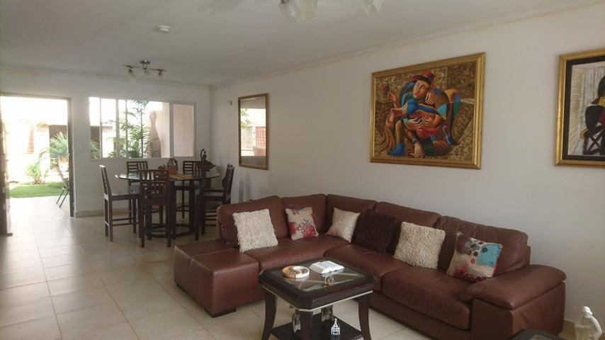 PANAMA VIP10, S.A. Casa en Venta en Brisas Del Golf en Panama Código: 17-4166 No.1