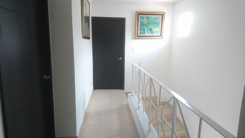 PANAMA VIP10, S.A. Casa en Venta en Brisas Del Golf en Panama Código: 17-4166 No.8