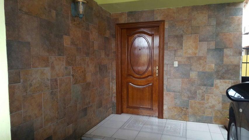 PANAMA VIP10, S.A. Casa en Venta en Altos de Panama en Panama Código: 17-4226 No.1