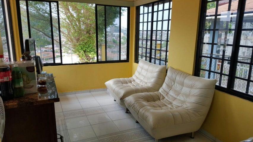 PANAMA VIP10, S.A. Casa en Venta en Altos de Panama en Panama Código: 17-4226 No.3